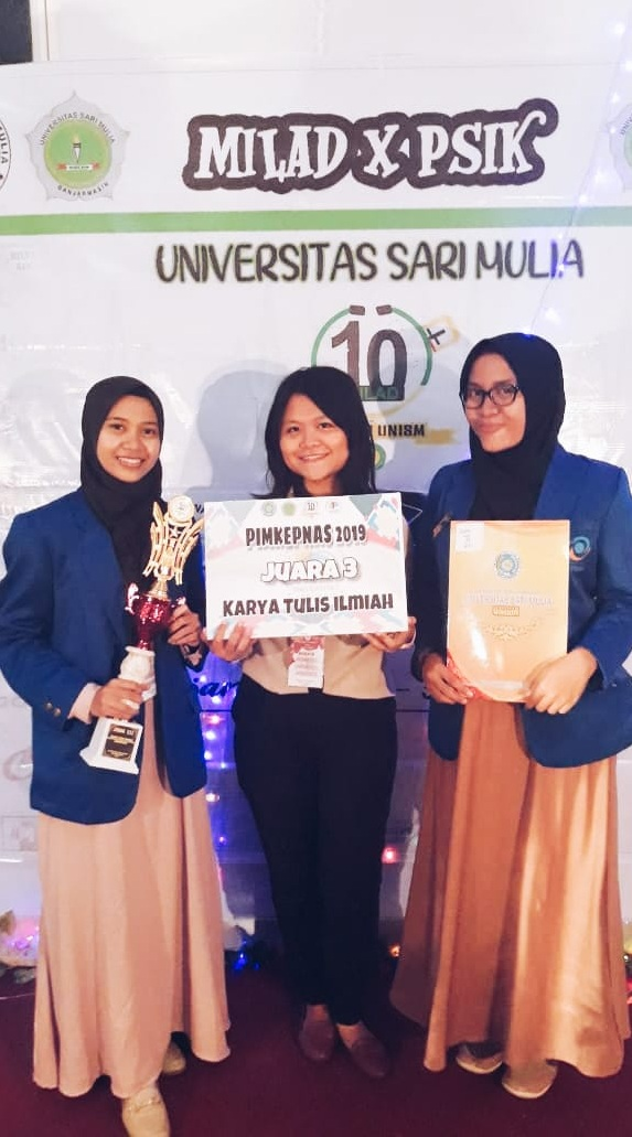 Tiga Mahasiswi Esa Unggul Raih Juara di Pekan Keperawatan Nasional