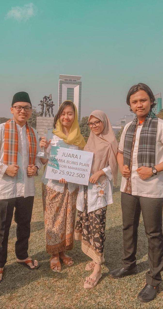 Mahasiswa Esa Unggul Raih Juara I di Lomba Bisnis Plan Bangkesbangpol Provinsi DKI Jakarta