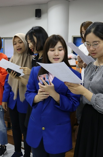 20 Mahasiswa Nanjing Xiaozhuang University Ikuti Immerson Program di Universitas Esa Unggul
