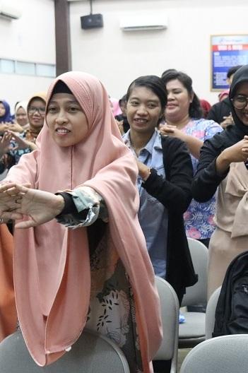 Seminar Nasional Keperawatan Esa Unggul Bahas Isu dan Tren Metode Keperawatan Paliatif di Indonesia