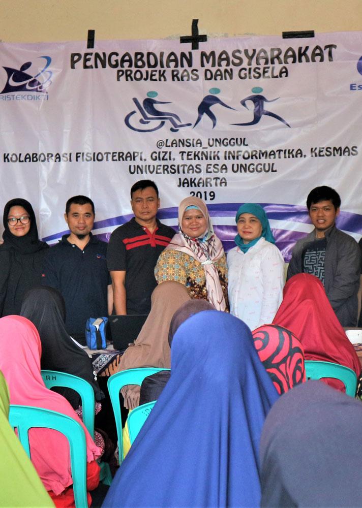 Begini Keseruan saat Prodi Fisioterapi, Gizi dan Teknik Informatika Esa Unggul Menggelar PKM di Desa Kohod, Kabupaten Tangerang