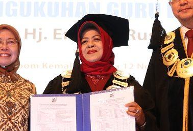 Sidang Terbuka Pengukuhan Guru Besar Prof.Dr.Hj. Endang Ruswanti,MM Dalam Bidang Ilmu Manajemen