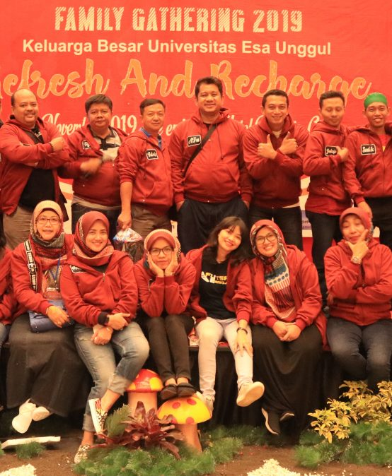 "Family Gathering 2019 Universitas Esa Unggul, "" Refresh & Recharge"""