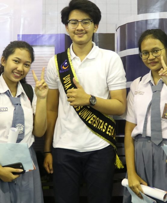 Meriahkan Pameran Pendidikan MGBK Balai Kartini 2020, Stan UEU Diserbu Siswa SMA