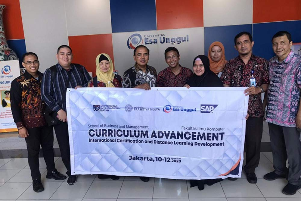 Developing an Online Learning System, Esa Unggul University Holds Collaboration with Batam International University