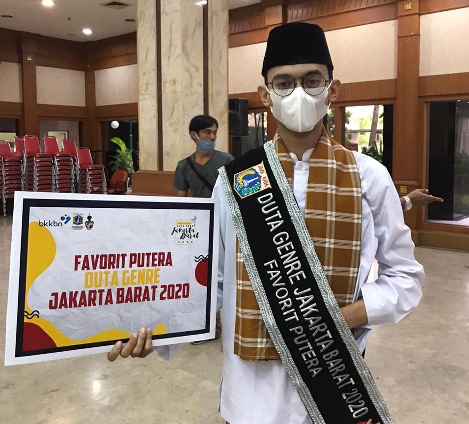 Daffa Mahasiswa Jurusan Public Relation UEU Berhasil Menjadi Juara Favorit Duta GenRe Jakarta Barat
