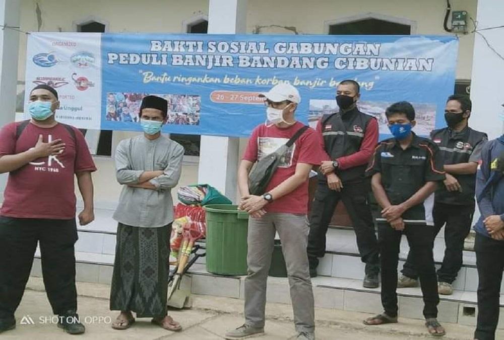 Bantu Korban Banjir Cibunian, Universitas Esa Unggul Gelar Kegiatan Peduli Bencana Banjir